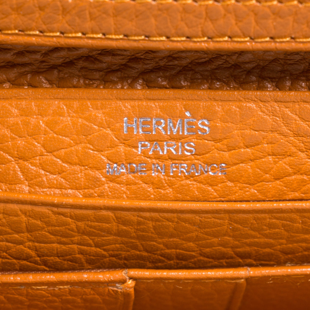 Hermes Trifold Bearn Wallet Accessories Hermès - Shop authentic new pre-owned designer brands online at Re-Vogue