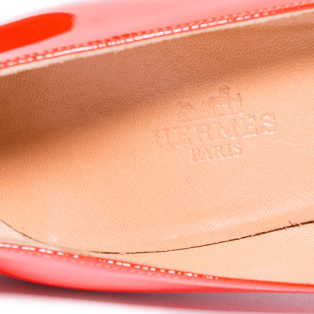 Hermes Red Leather Pumps Shoes Hermes - Shop authentic pre-owned designer brands online at Re-Vogue