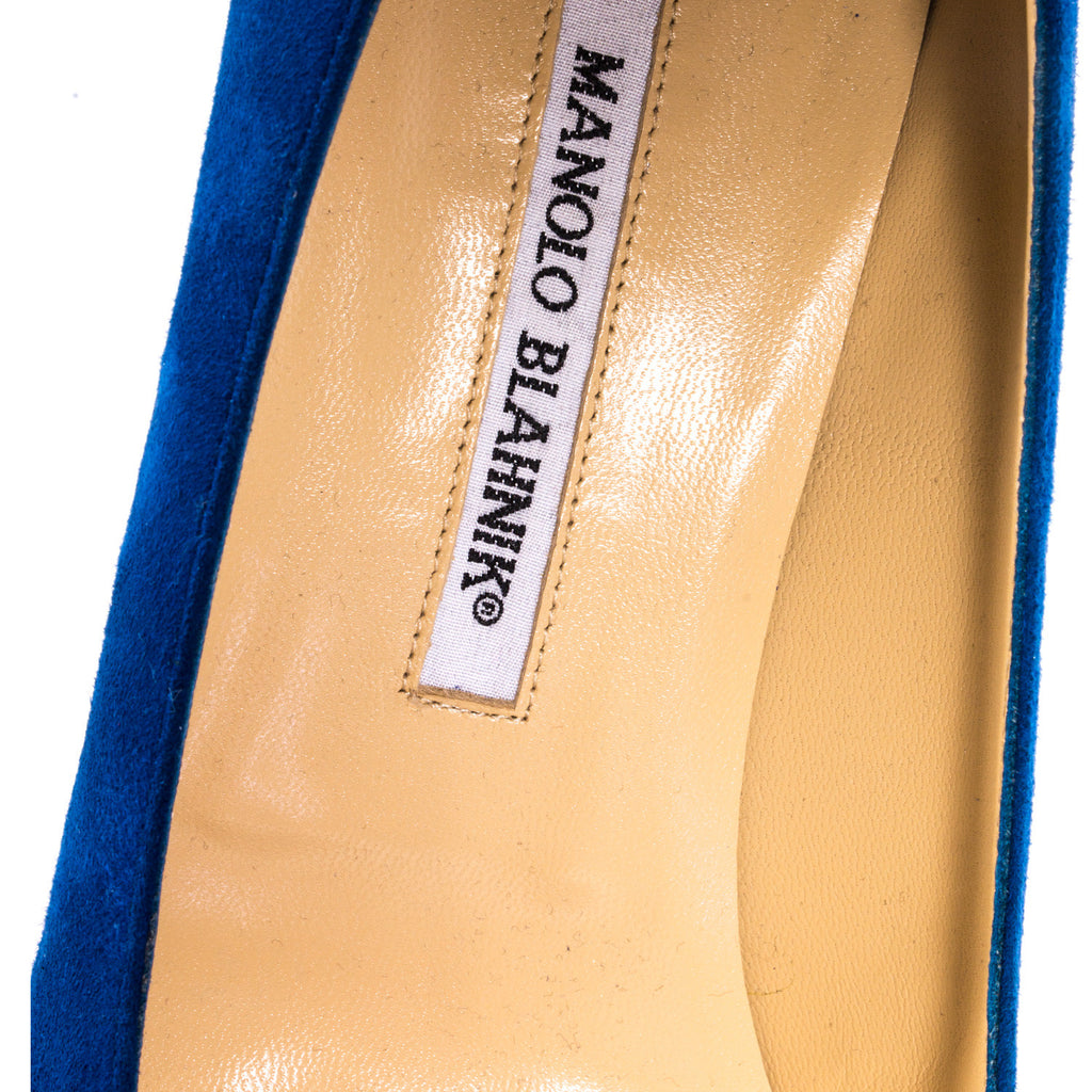Manolo Blahnik Suede Pumps -Shop pre-owned luxury designer brands on discount online at Re-Vogue