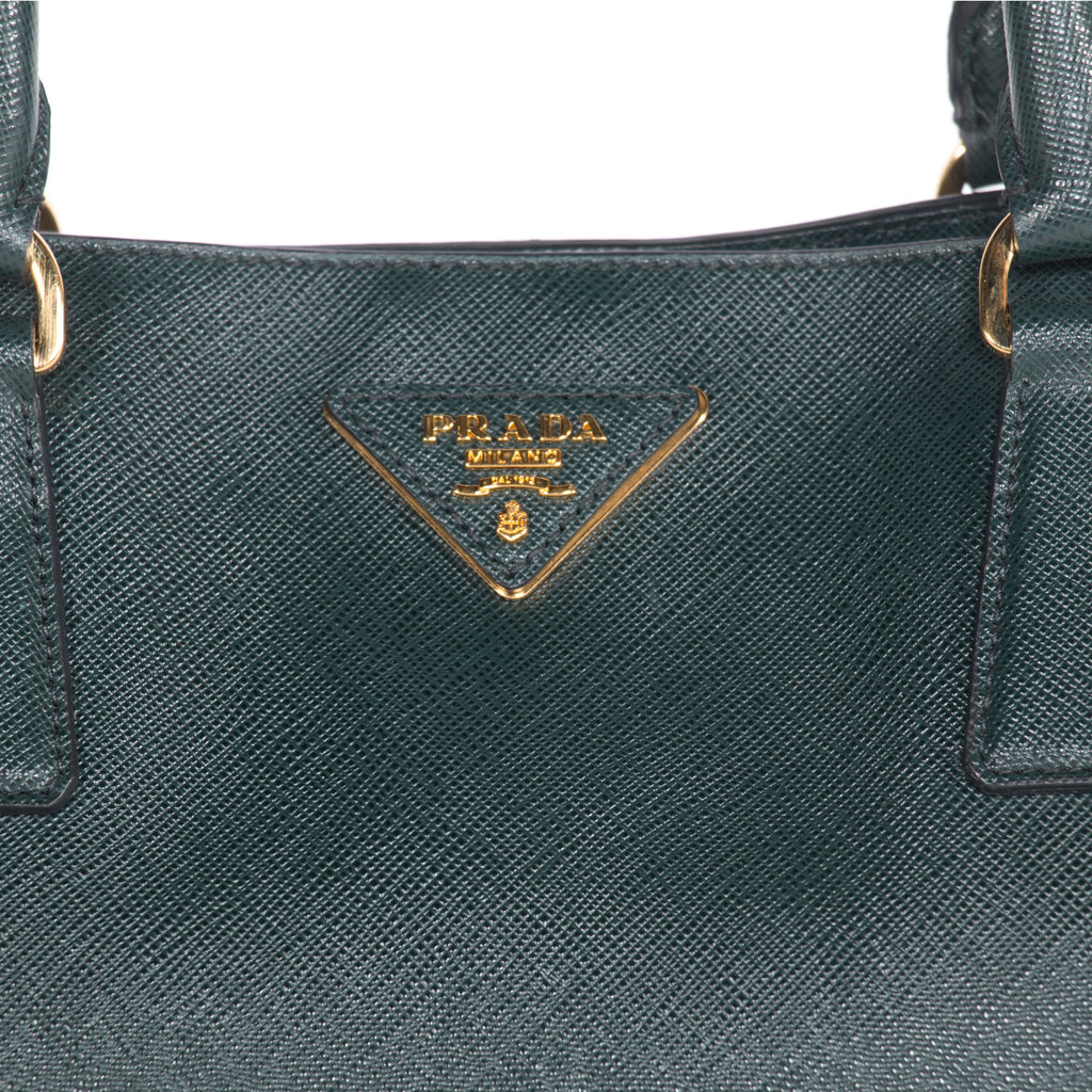 Prada Saffiano Lux Large Tote Bags Prada - Shop authentic new pre-owned designer brands online at Re-Vogue