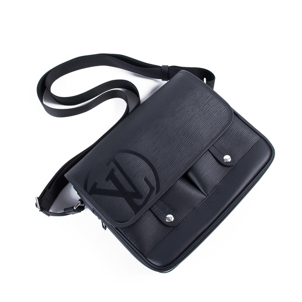 Louis Vuitton Downtown Messenger PM Bags Louis Vuitton - Shop authentic new pre-owned designer brands online at Re-Vogue