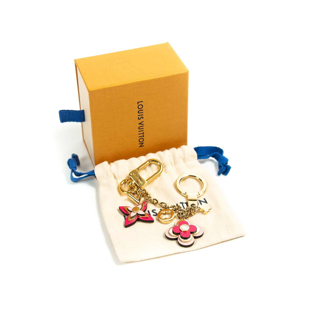 Louis Vuitton Blooming Flowers Bag Charm Accessories Louis Vuitton - Shop authentic new pre-owned designer brands online at Re-Vogue
