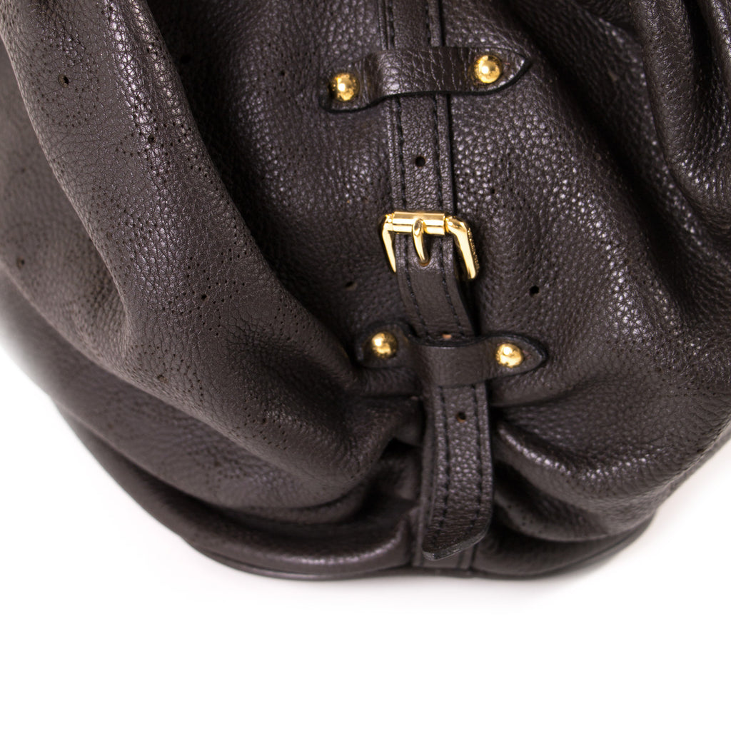 Louis Vuitton Mahina L Hobo Bag Bags Louis Vuitton - Shop authentic new pre-owned designer brands online at Re-Vogue