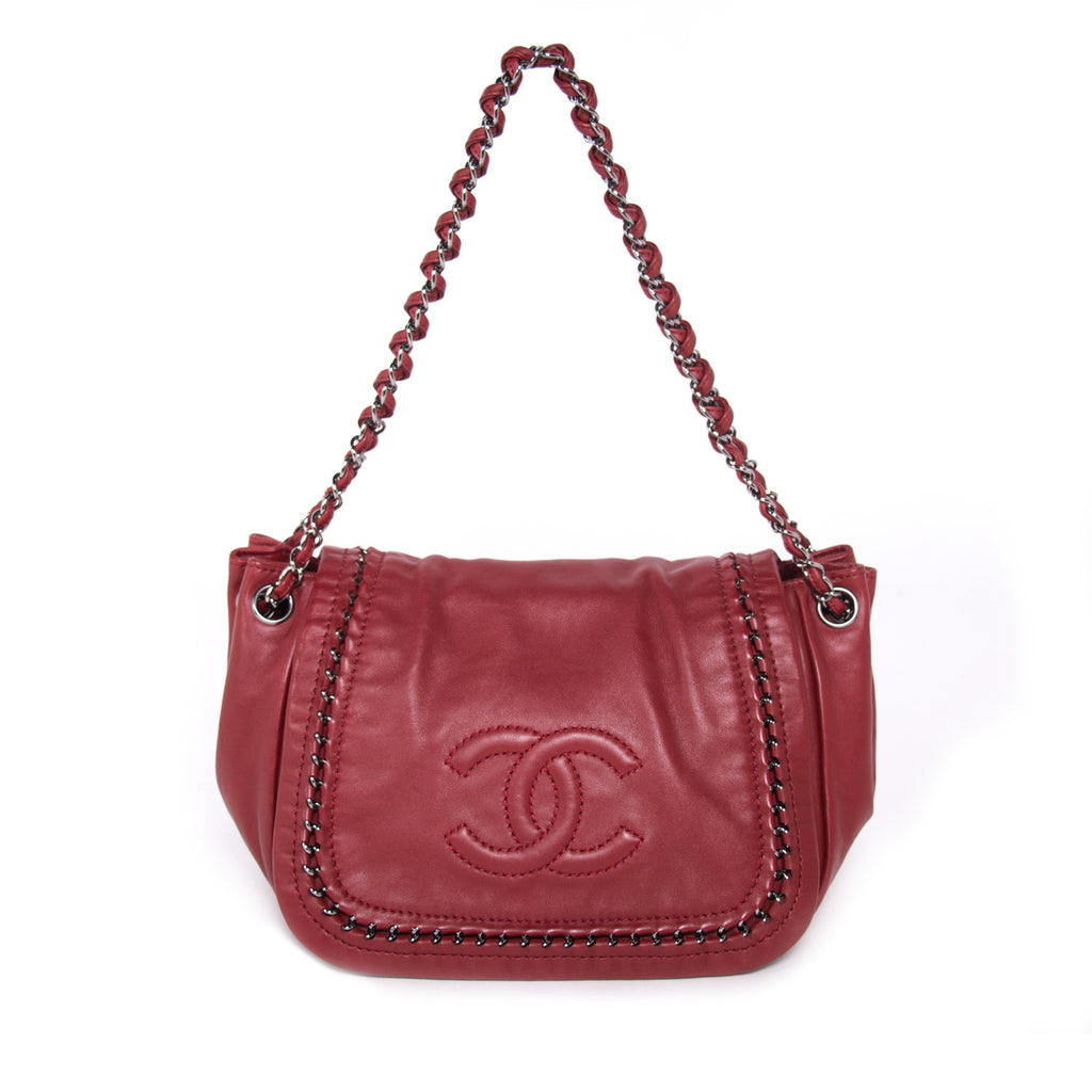 84f02f3c4eb6ee Shop authentic Chanel Luxe Ligne Accordion Bag at revogue for just ...