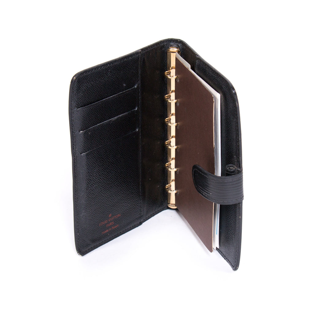 Louis Vuitton Ring Agenda Cover Accessories Louis Vuitton - Shop authentic pre-owned designer brands online at Re-Vogue