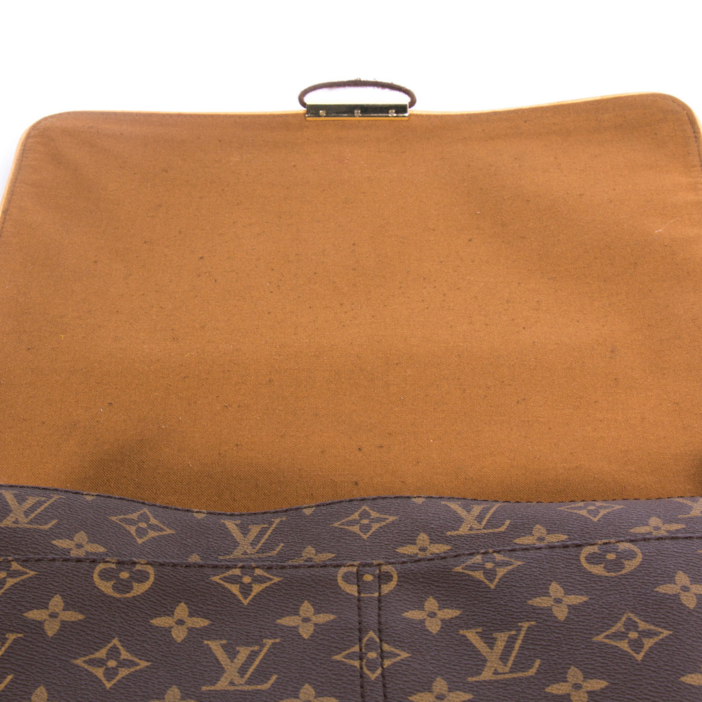 Louis Vuitton Abbesses Messenger Bag - revogue