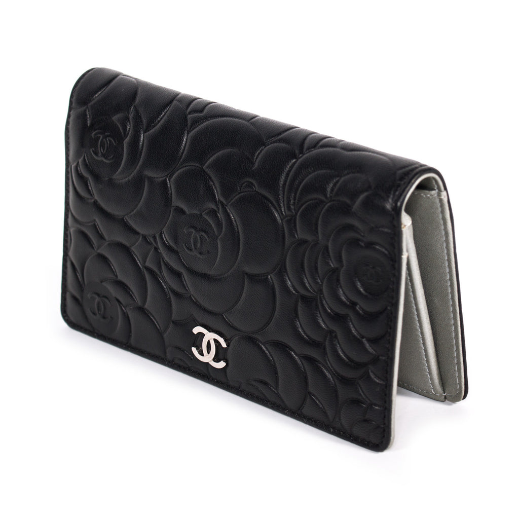 Chanel Camellia Bifold Wallet Accessories Chanel - Shop authentic new pre-owned designer brands online at Re-Vogue