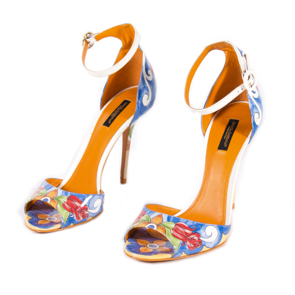 Dolce&Gabbana Keira Majolica Print Sandals Shoes Dolce & Gabbana - Shop authentic new pre-owned designer brands online at Re-Vogue