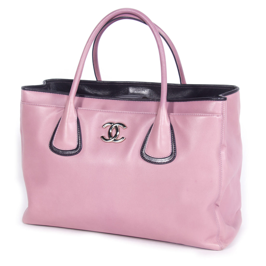 Chanel Ultra Soft Cerf Tote Bags Chanel - Shop authentic new pre-owned designer brands online at Re-Vogue