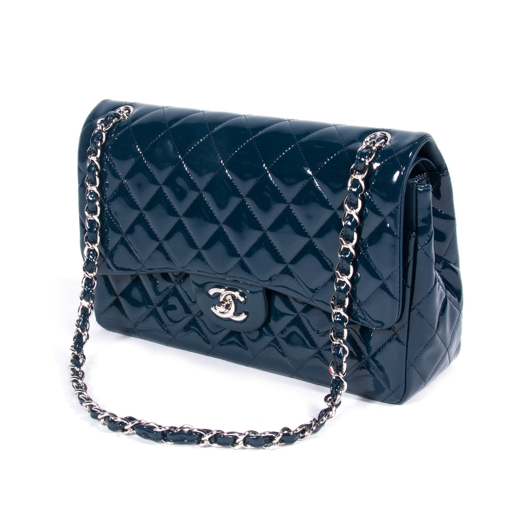 Chanel Jumbo Classic Flap Bag Bags Chanel - Shop authentic pre-owned designer brands online at Re-Vogue