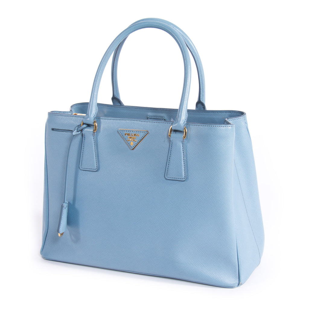 Prada Saffiano Lux Medium Tote Bags Prada - Shop authentic new pre-owned designer brands online at Re-Vogue