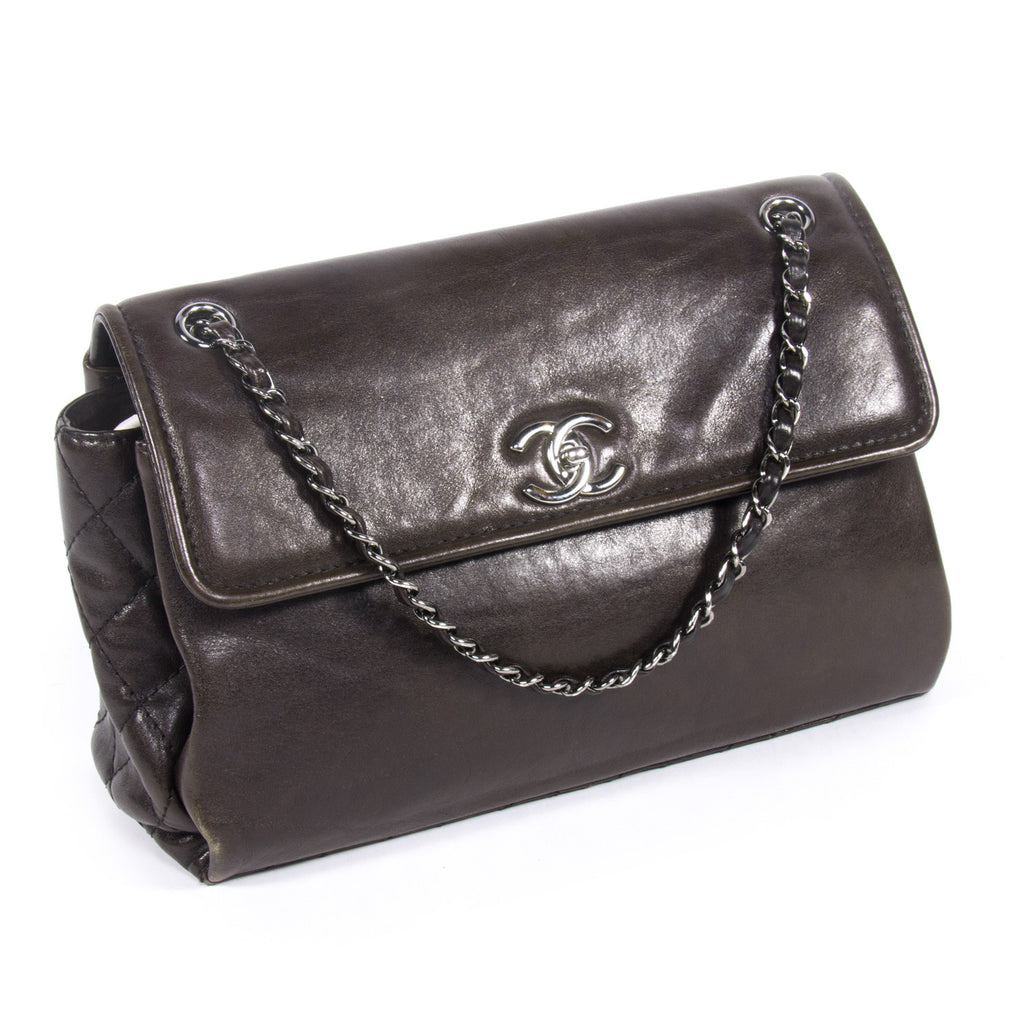 Chanel In The Business Bag Bags Chanel - Shop authentic new pre-owned designer brands online at Re-Vogue