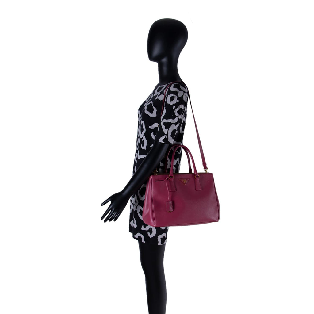 Prada Galleria Saffiano Double Zip Tote Bags Prada - Shop authentic new pre-owned designer brands online at Re-Vogue
