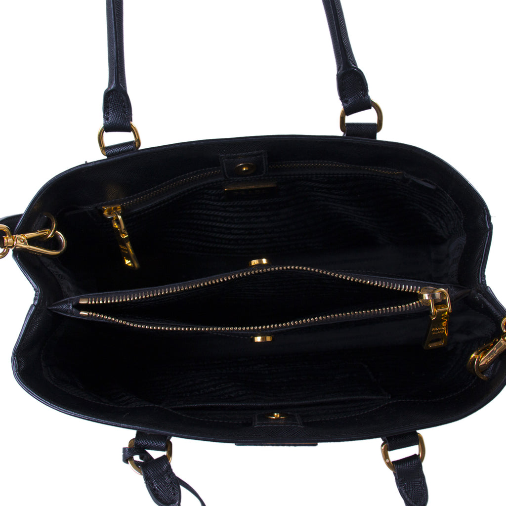 Prada Medium Saffiano Lux Tote Bags Prada - Shop authentic new pre-owned designer brands online at Re-Vogue