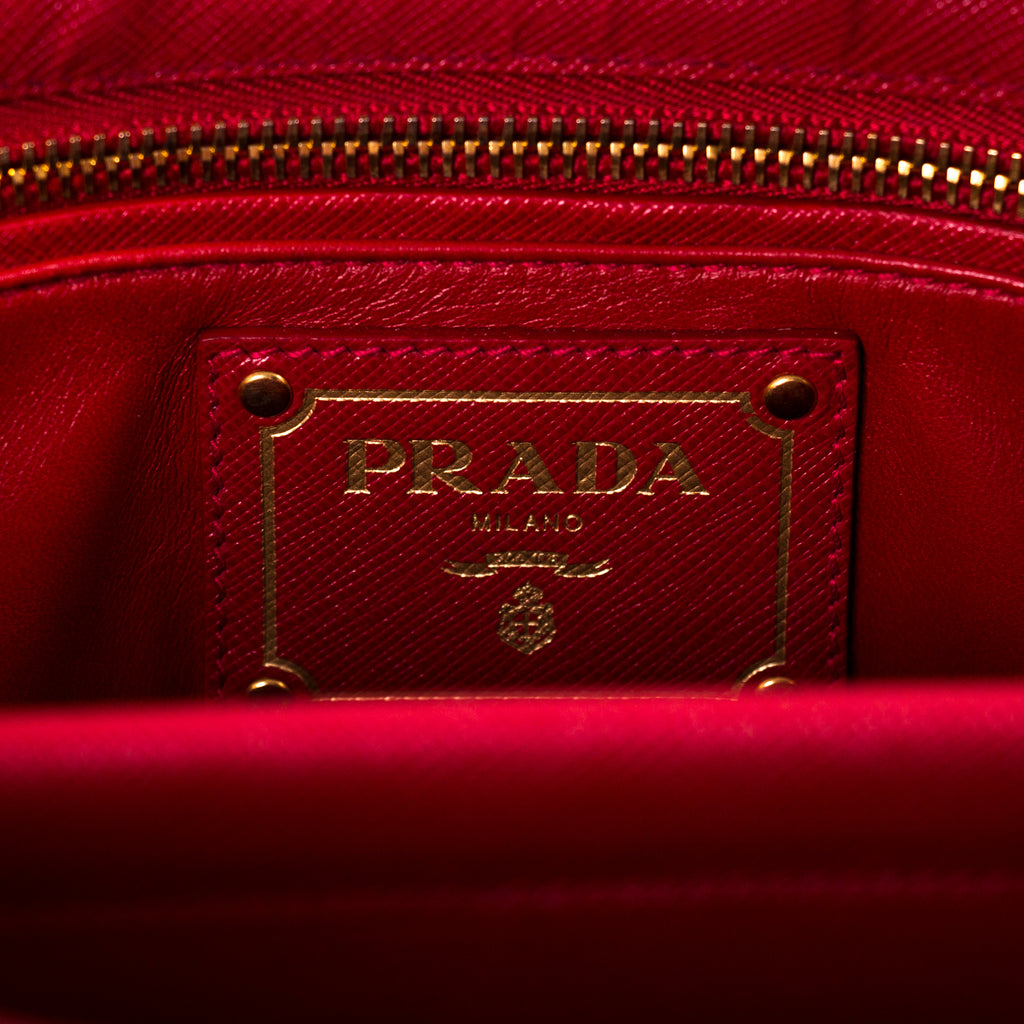 Prada Saffiano Lux Double Handle Tote Bag Bags Prada - Shop authentic new pre-owned designer brands online at Re-Vogue