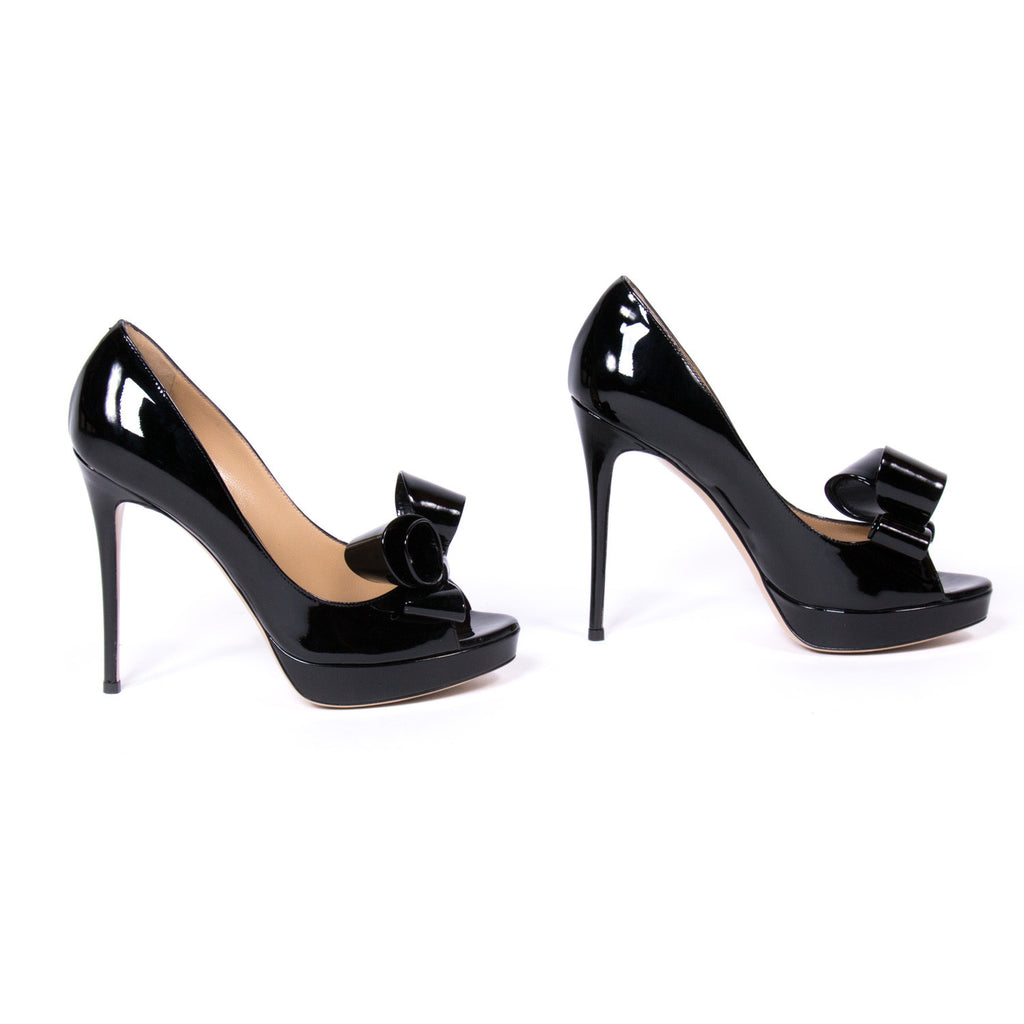 Valentino Black D'orsay Pumps Shoes Valentino - Shop authentic new pre-owned designer brands online at Re-Vogue