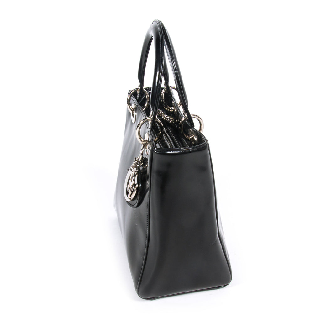 Shop authentic Christian Dior Medium Lady Dior at revogue for just ... 51167a488a70e