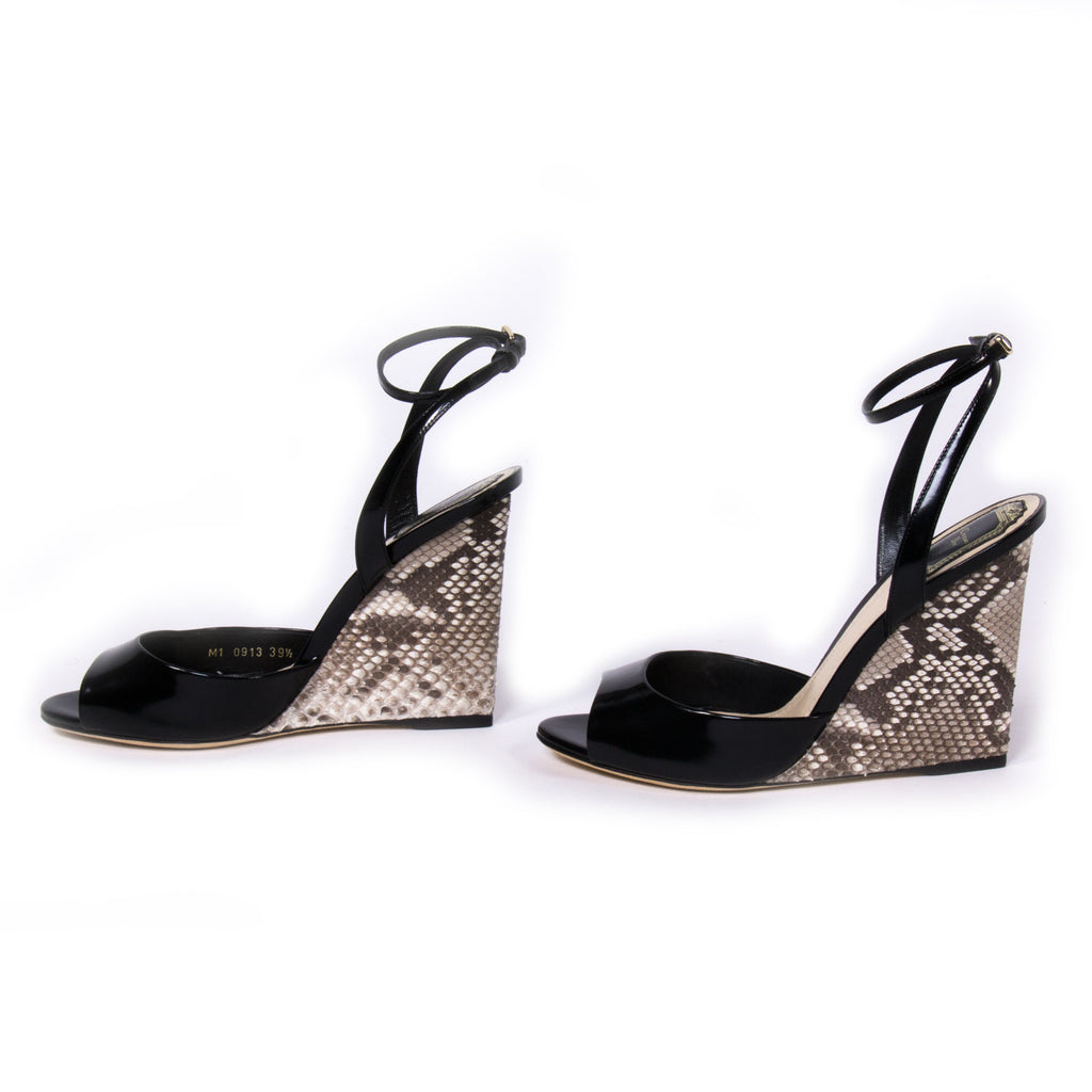 Christian Dior Escapade Sandals Shoes Dior - Shop authentic new pre-owned designer brands online at Re-Vogue