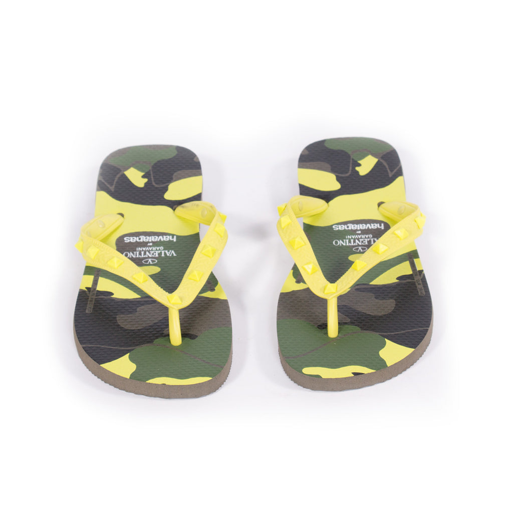 Valentino Havaianas Flip Flops Shoes Valentino - Shop authentic new pre-owned designer brands online at Re-Vogue