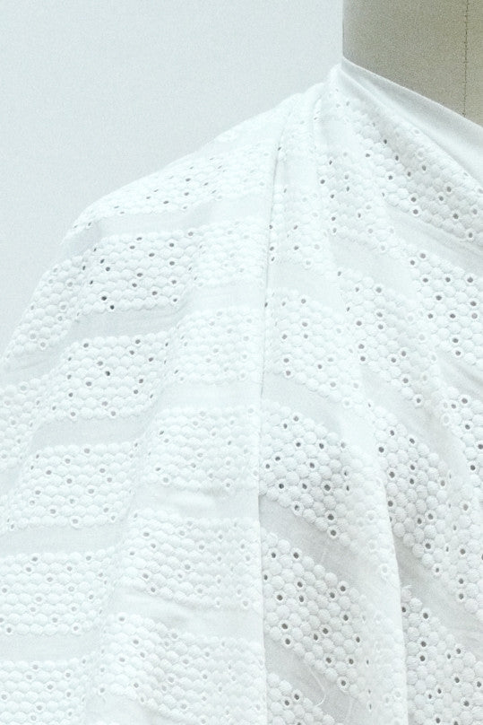 Carte Blanche White Embroidered Cotton Eyelet Woven