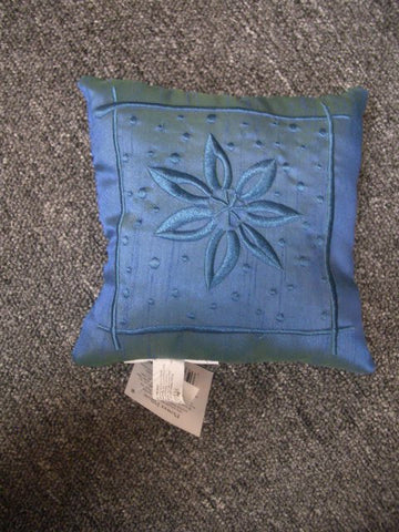 "#23793 - 7X7"" DECOR.PILLOW-FLOWER 1AT  -  48/CASE"