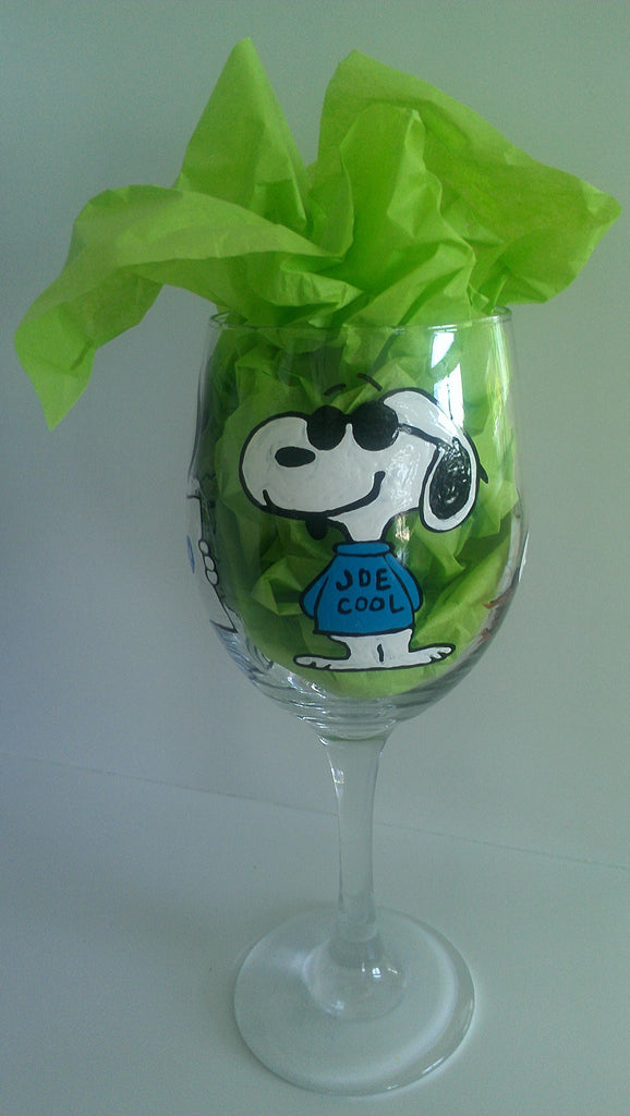 decorative snoopy inspired red baron peanuts gang charlie brown linus lucy woodstock hand painted wine glass cups mothers day