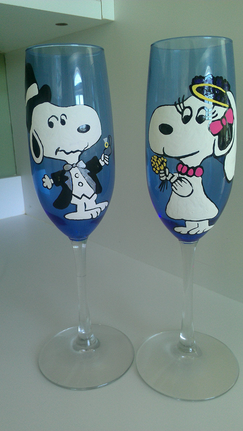 custom set of 2 peanuts gang custom snoopy bride groom wedding toasting glasses charlie brown Schroeder lucy woodstock hand painted wine