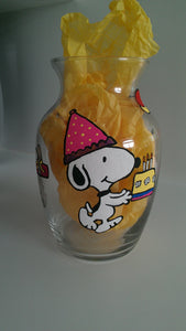 decorative snoopy vase red baron peanuts gang charlie brown linus lucy woodstock hand painted wine glass cups