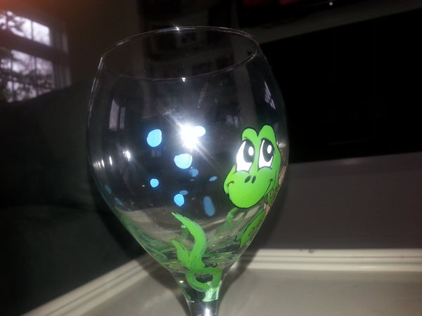 Hand painted sea turtle custom wine glass