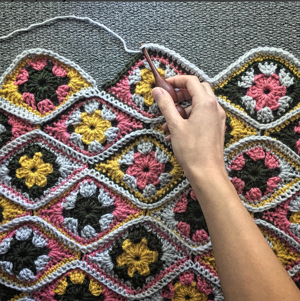 How To Crochet A Granny Square, Video Tutorial