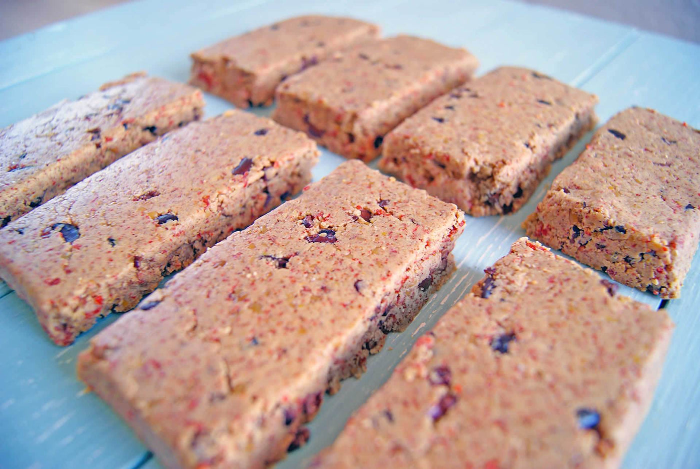 No Bake Peanut Butter, Goji & Cacao Protein Bars