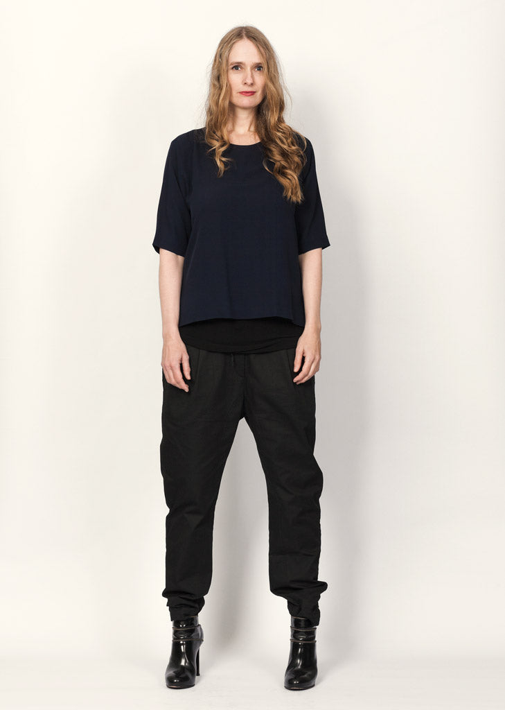The Organic Silk Blouse Navy / DKK1080