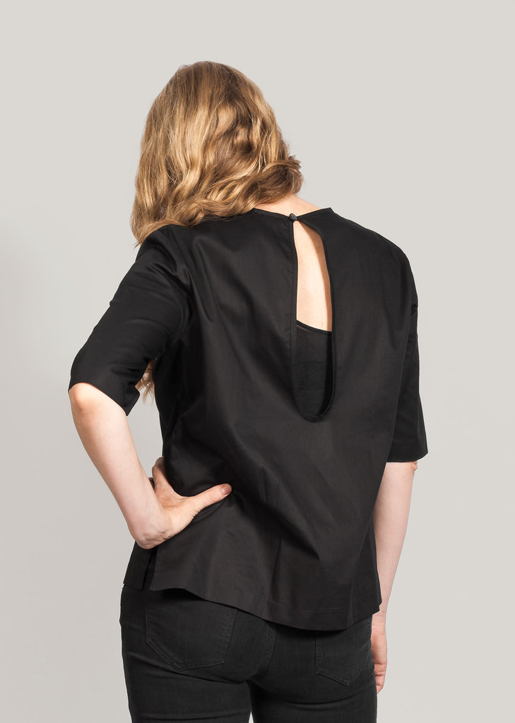 213c81dc The Organic Cotton Blouse Black / DKK525 | Eksempel