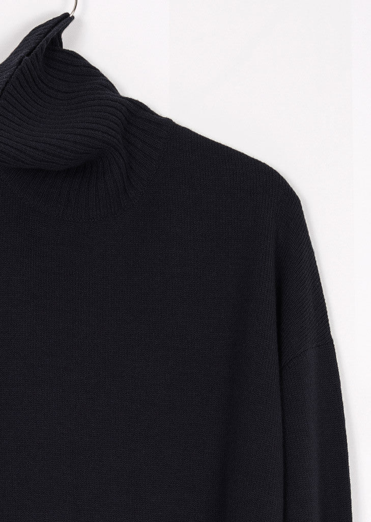 GOTS certified organic extrafine merino navy wool sweater