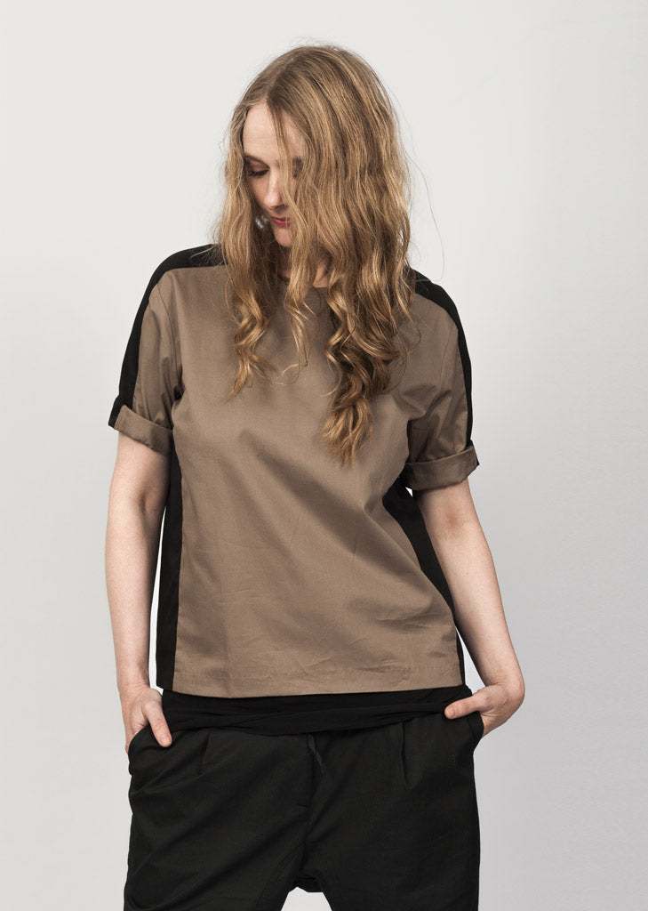 05f758cc The Organic Cotton Blouse Tan-Black / DKK525 | Eksempel