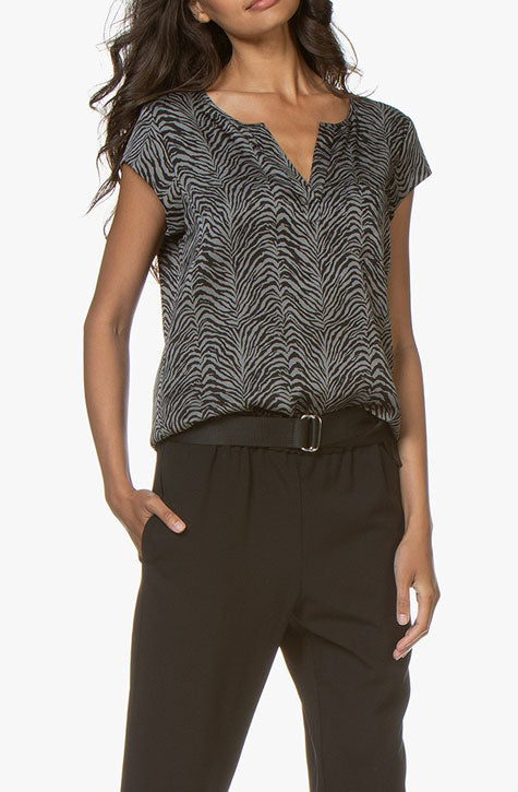 silk Blouse | v-neck | Zebra print . Repeat Cashmere Women's clothing at our digital Boutique Affairedefemmes.net