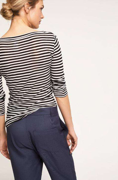 Top C95017 Stripes Closed
