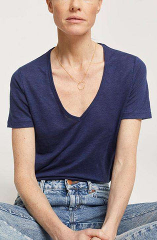 Women's Indigo Blue linen top | CLOSED | Affairedefemmes.net | This top is perfect for hot summers! get the basic colors in your summer wardrobe right now and give your summer a second try !