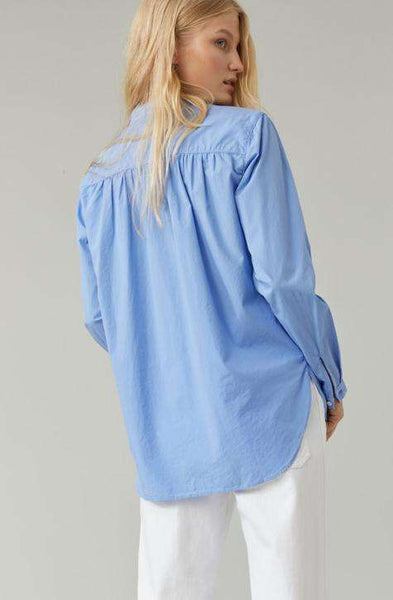 CLOSED Women's shirt JAYLA |Make a sophisticated yet subtle statement with the Oxford Blue Cotton Jayla Shirt by Closed | Affairedefemmes.net