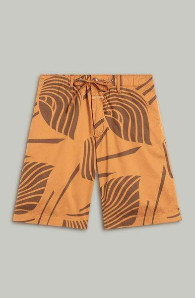Women's Bermuda shorts! They're comfortable, functional and elegant. LEAF pattern Bermuda shorts. LYA closed shorts