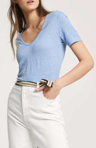 Women's Oxford Blue linen top | CLOSED | Affairedefemmes.net | This top is perfect for hot summers! get the basic colors in your summer wardrobe right now and give your summer a second try !