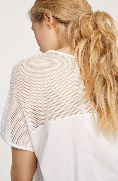 White shade with transparent perfection. T-SHIRT WITH MESH CLOSED Women's Top | Local Same-day-Delivery, International Shipping & Easy Returns. | Affairedefemmes.net