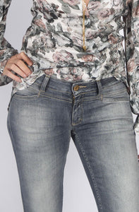 Love-worn skinny jeans from Closed with a modern cropped length and extra stretch.  Closed In-store Affairedefemmes.net