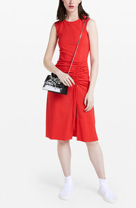 Red knee-length dress with side slit and gathering at the side. Patrizia Pepe available at our digital Boutique Affairedefemmes.net