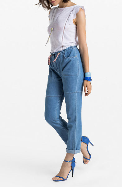 Light blue slim fit Jeans with drawstring belt waist. Patrizia Pepe available at our digital boutique Affairedefemmes.net