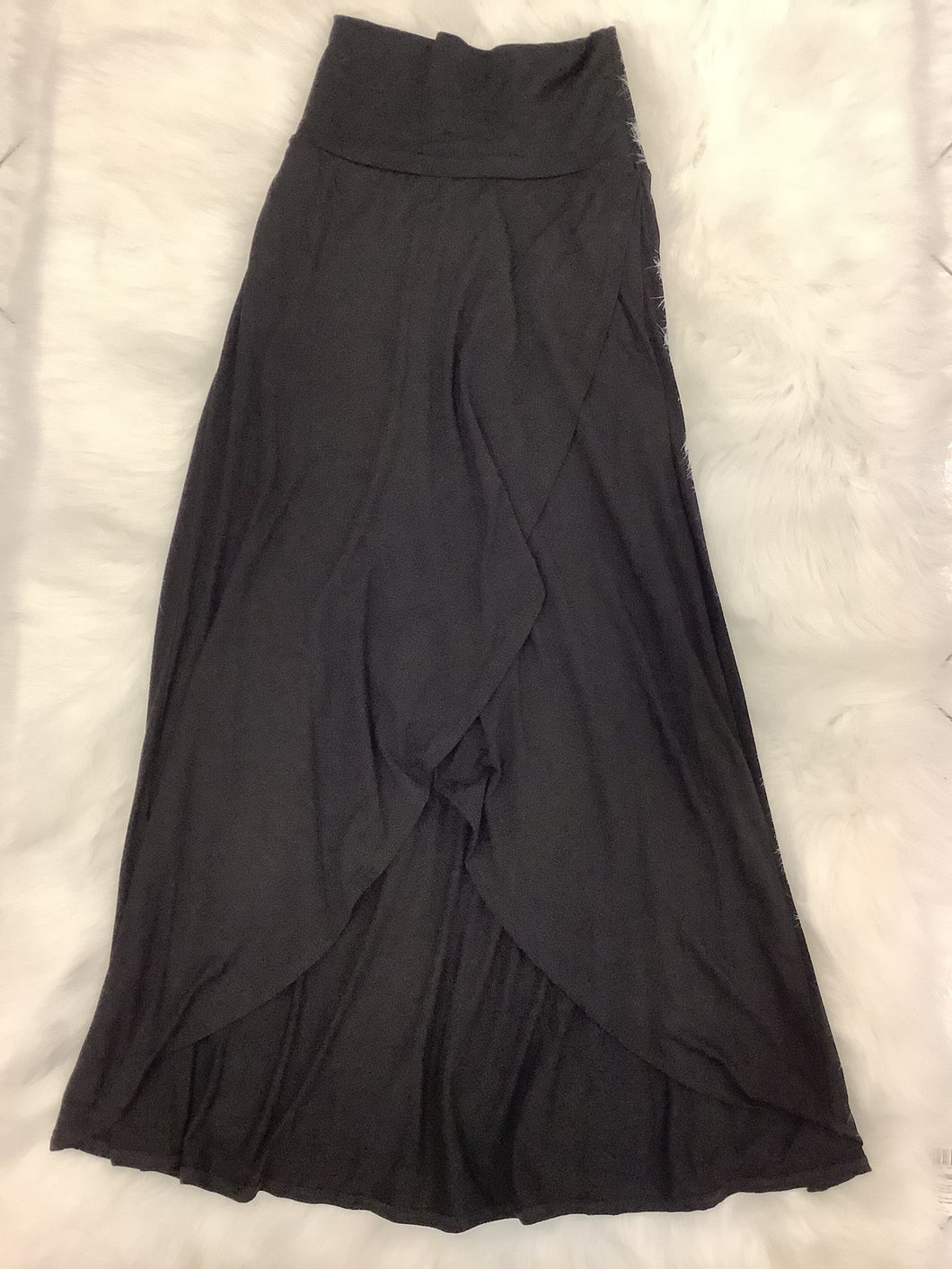 Overlapping Maxi Skirt Style 9023