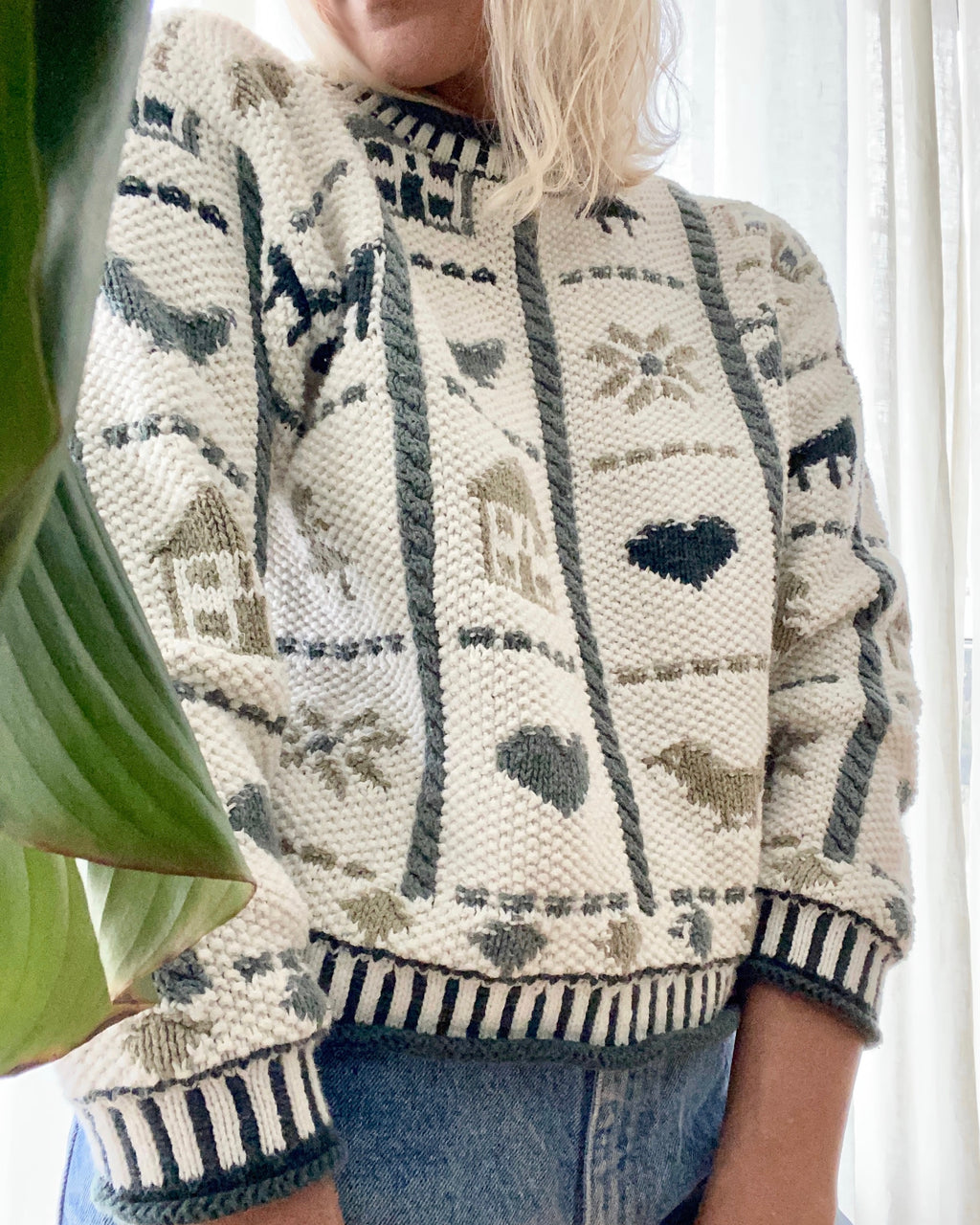 VINTAGE Cotton Farm Pattern Sweater