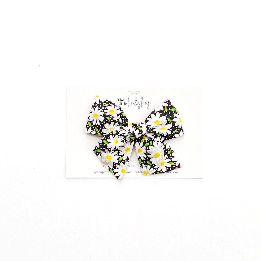 Black and White Daisies Hand-Tied Fabric Bow