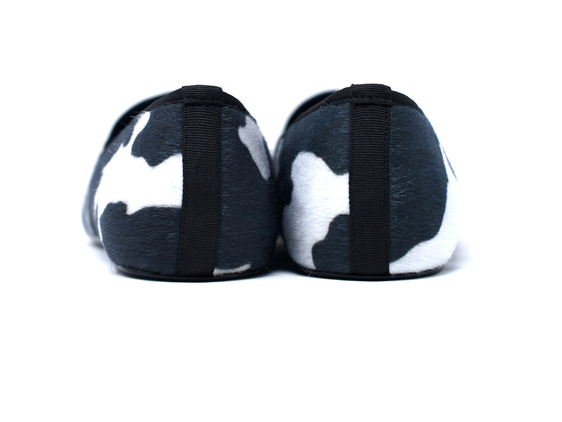 dara shoes mens black and white elba pony hair velvet slippers and loafers back view