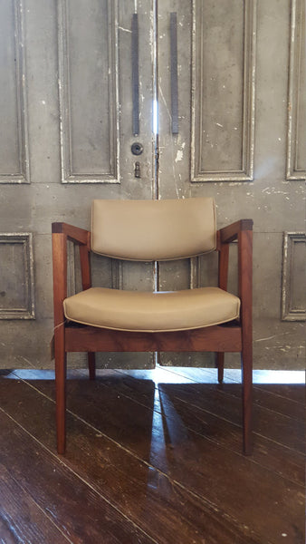 Mid-Century Modern Arm Chair | Vintage